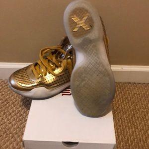 Kobe X 10 Mid EXT Gold